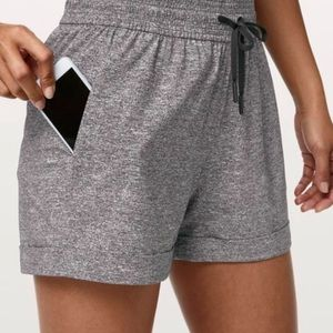 NWT Lululemon Spring Break Away Shorts $68-Size 4